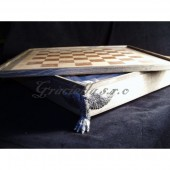 Chess box - lion's paw with wings